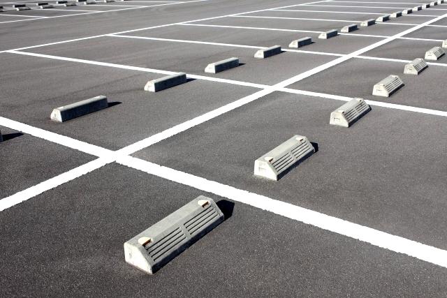 アルファードと駐車場
