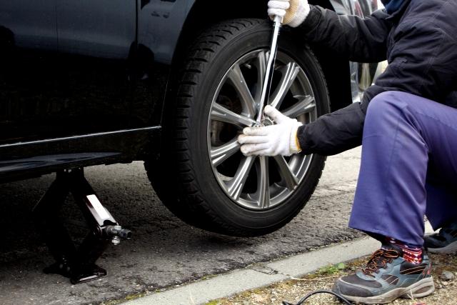 タイヤ交換工費の相場